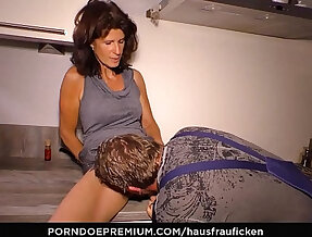 HAUSFRAU FICKEN Cock sucking slut cheating wife is a granny likes reverse cowgirl sex