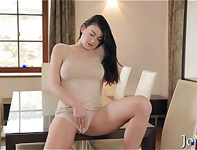 Solo beauty her wet pussy thoroughly